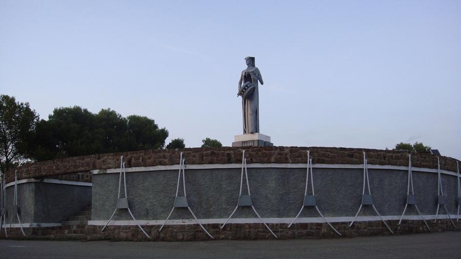 Monumento al Tamborilero en Alcañiz, Teruel